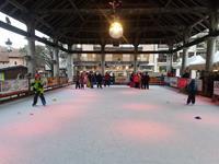 Les CE2 sur les patins à glace