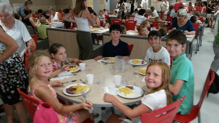 Dernier repas de l'année pour les écoles
