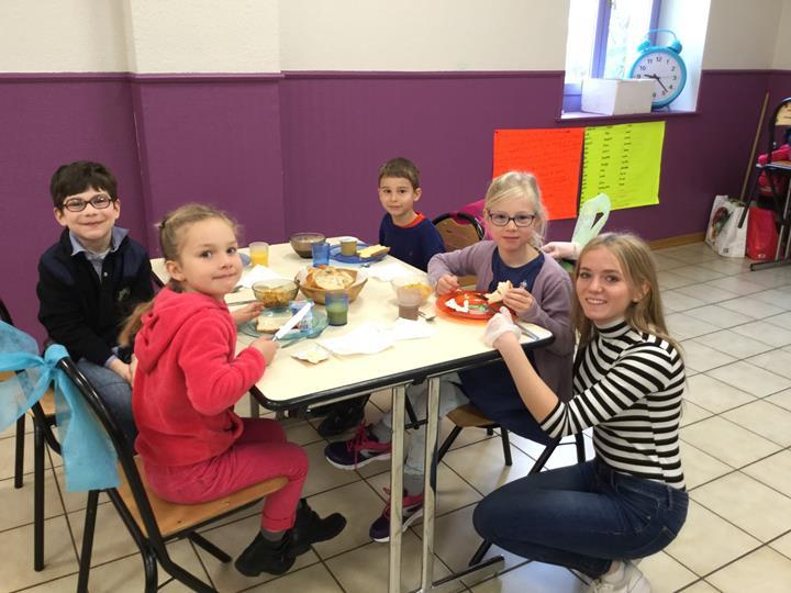 Petit déjeuner à l'école pour les CP